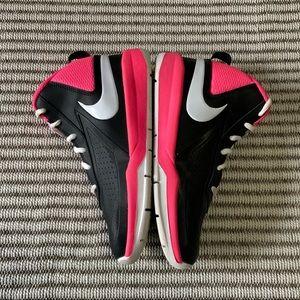 Nike Hi-top Team Hustle D7 size 3.5, Like new used